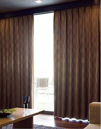 完全遮光1級 遮音カーテン アルミコーティング加工とアクリル樹脂加工(画像参照リリカラ)