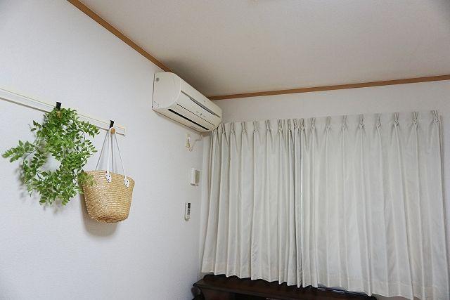 白い遮光カーテン