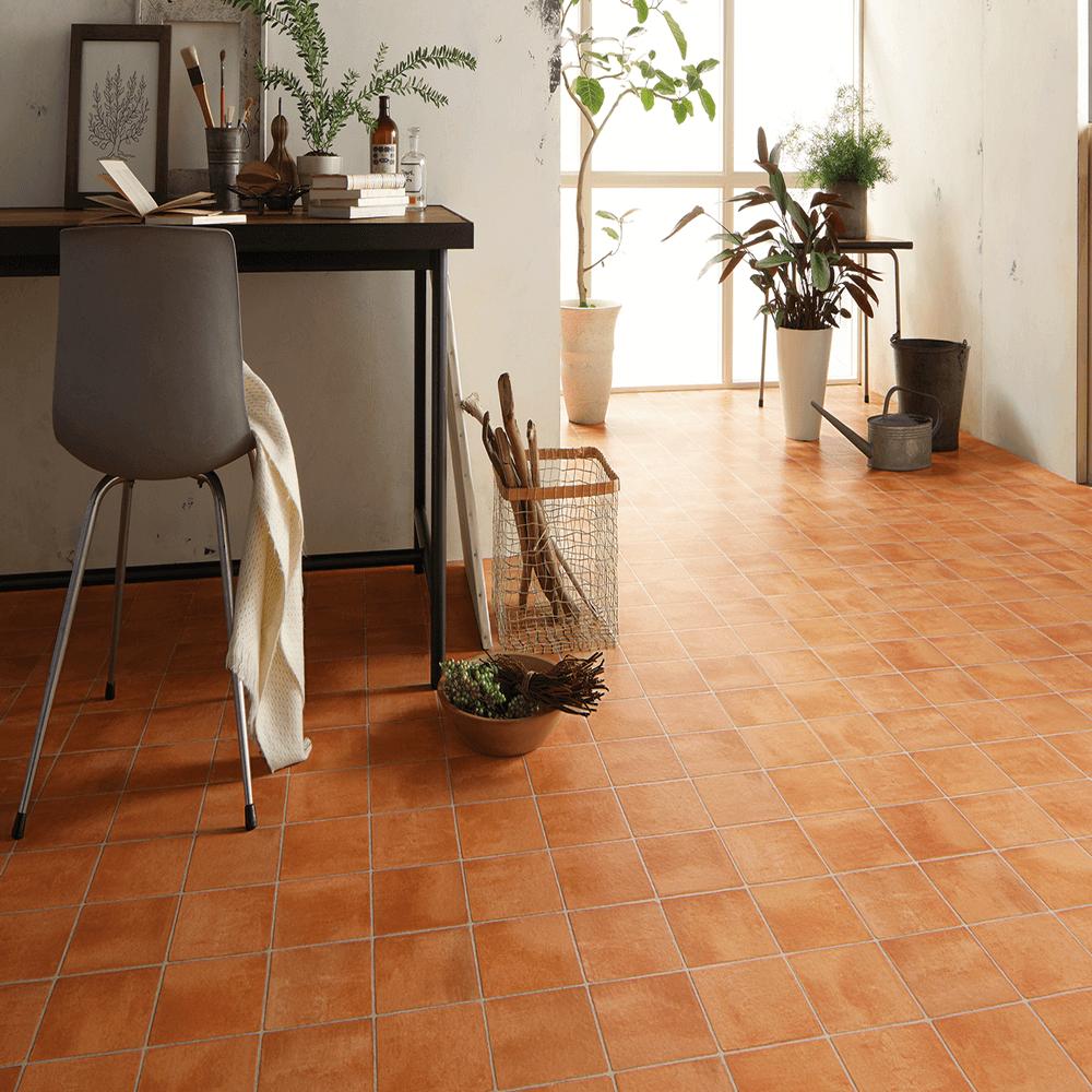 温かみのあるレンガ模様のシート系床材。サンゲツによる無料素材