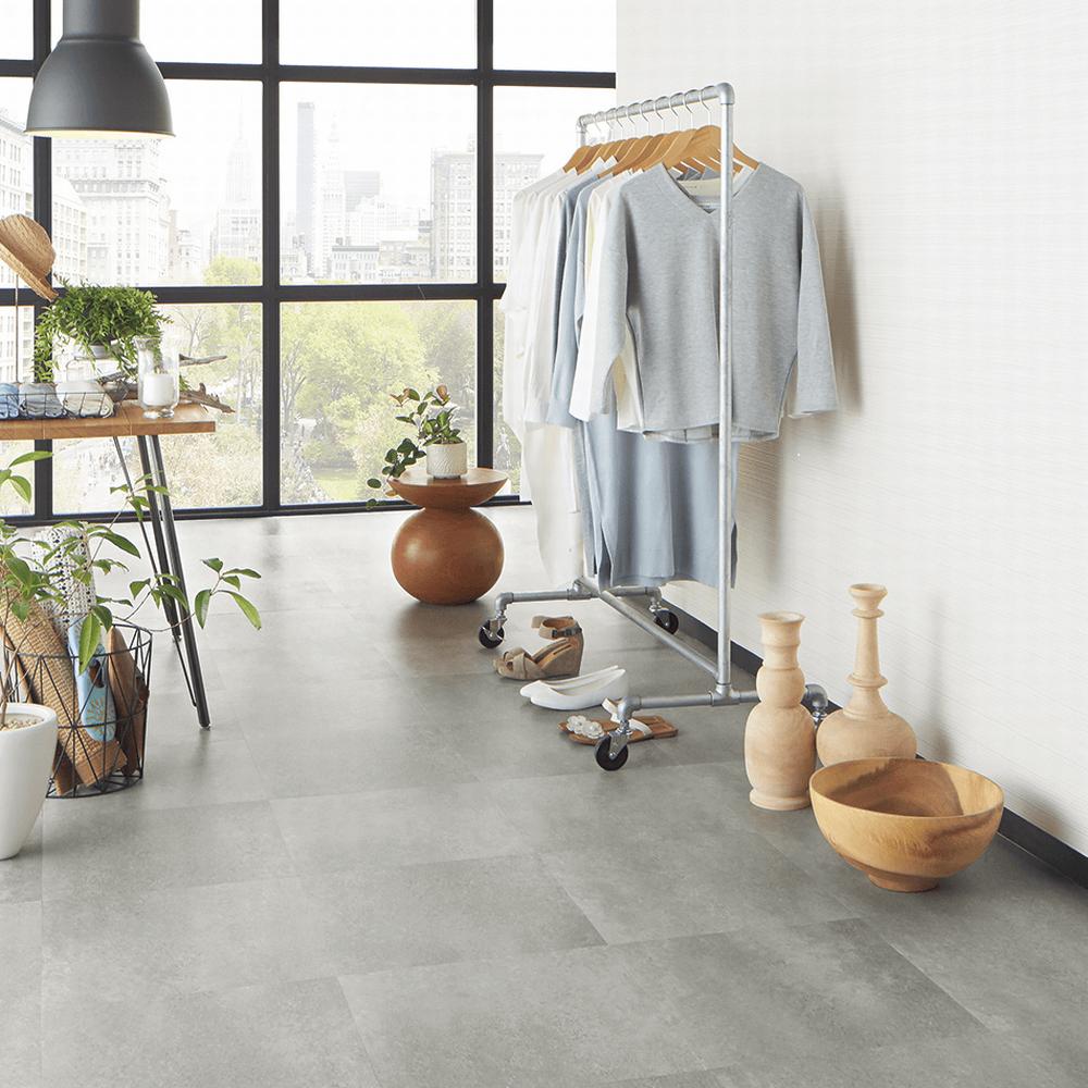 スッキリした印象のタイル系床材。サンゲツによる無料素材