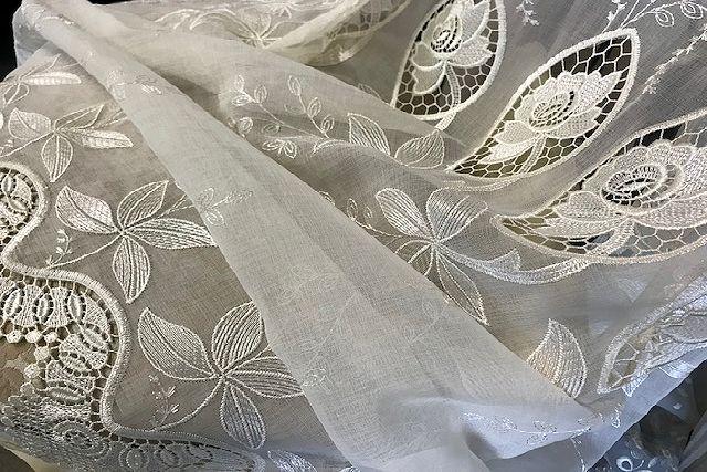 刺繍が美しいエンブロイダリーレース