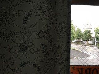 白い遮光1級カーテンは透けるのか 検証