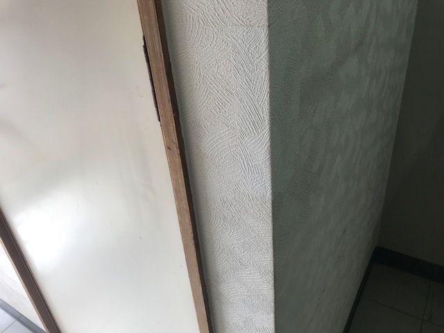 壁紙の角の補修後