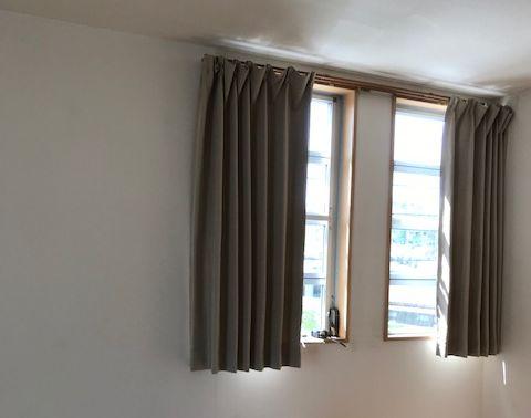 カーテンの上からの光漏れ