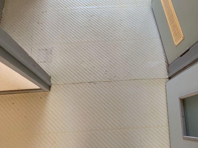 玄関のクッションフロア施工前