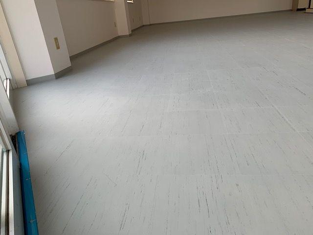 Pタイル】プロが教える施工方法!貸店舗の床に上張りしました | 飾りんぼ