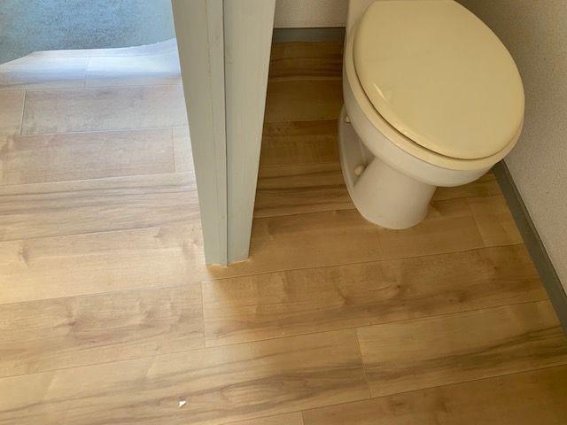クッションフロアをトイレの仮置き完成