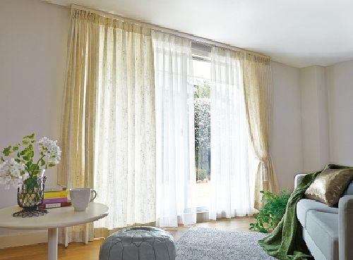 立ち上がりのある掃き出し窓
