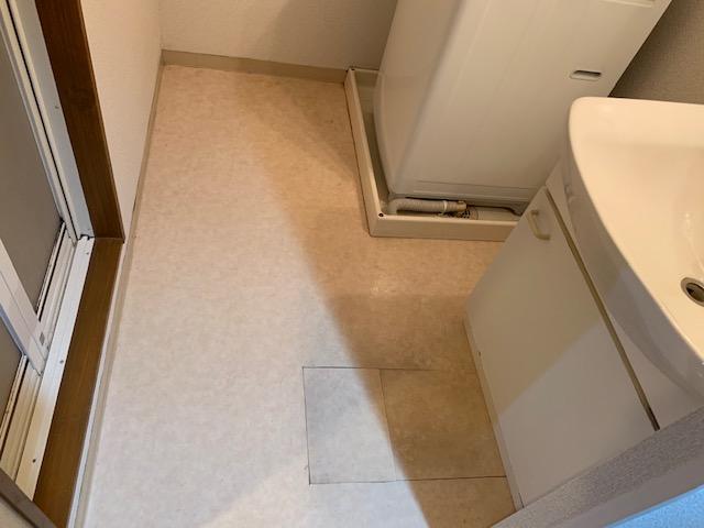 施工前の洗面所床