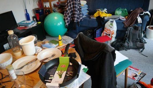 【片付け問題】壁紙の張り替え時に家具は自分で移動する?部屋の散らかりは大丈夫?
