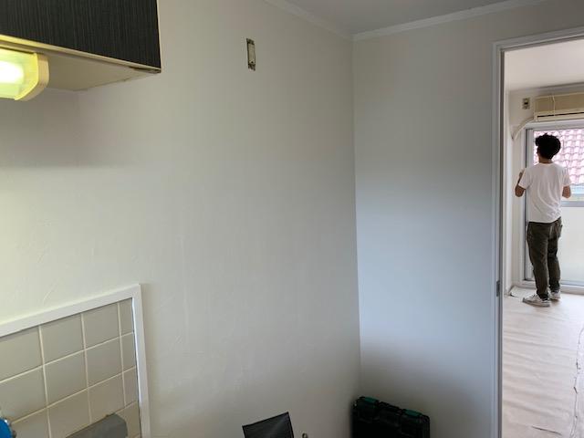 台所の壁紙張り替え後