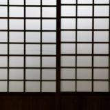 和室の障子から漏れる光