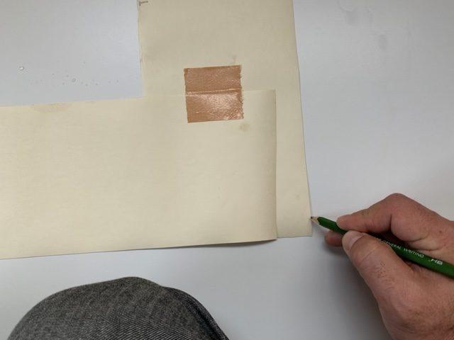 型紙通りに印をつける