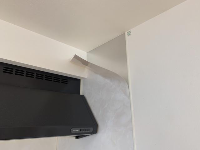 キッチンパネルの表面がかがれた状態