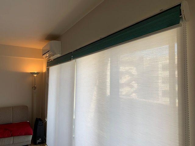 部屋がすっきりみえるロールスクリーン