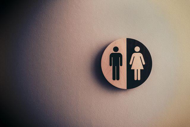トイレのkベガ身張り替え業者