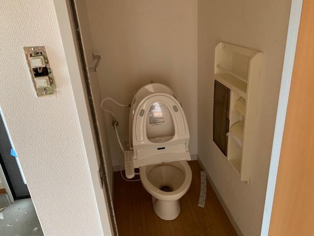 トイレにアクセントクロス