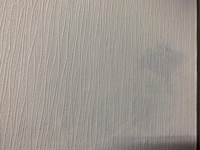 壁にできたシミ