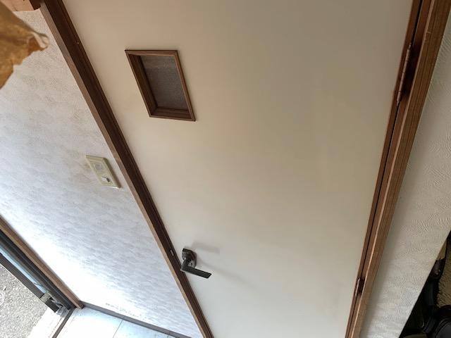 リアテックを貼る前の室内ドア