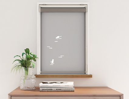 小窓のロールスクリーン